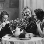 2-N12-K3-1935 Coffee Morning akg-images