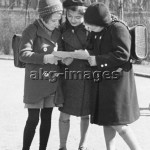 2-P20-S1-1938 Schoolchildren from a Jewish school in Berlin, 1938, Bildarchiv Pisarek / akg-images
