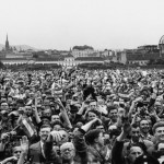 Jubilant crowds outside the Belvedere Palace as the Austrian State Treaty is signed,ending Allied Occupation, 15 May 1955 © akg-images / Erich Lessing