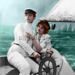 7-B4-BW_LG105835  Lovers on the high seas, circa 1900 © akg-images / bilwissedition