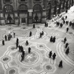 7IT-E2-AA331410 Aerial view of Vittorio Emanuele II Gallery in Milan, the '50s. © akg-images / Mondadori Portfolio