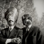 1FK-4531-F1960-1  Surrealists Robert Benayoun and Alain Joubert, 1960.  © akg-images / Denise Bellon