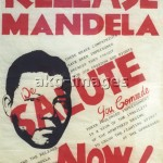 - Poster calling for the release of   Mandela from prison. -                Photo pre-Feb. 1990 (Graeme Williams). photo: africanpictures / akg