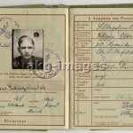 Wehrmacht passport for the Volkssturm, 1944. Photo, akg-images