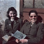 Glashütte, Germany, 1940. Two young women of the Reich Labour Service. Photo, akg-images