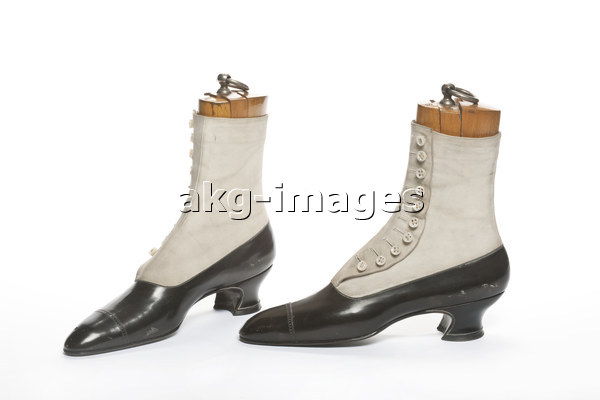 Leather boots, 1900, AKG1550794, © Les Arts Décoratifs, Paris / Jean Tholance / akg-images