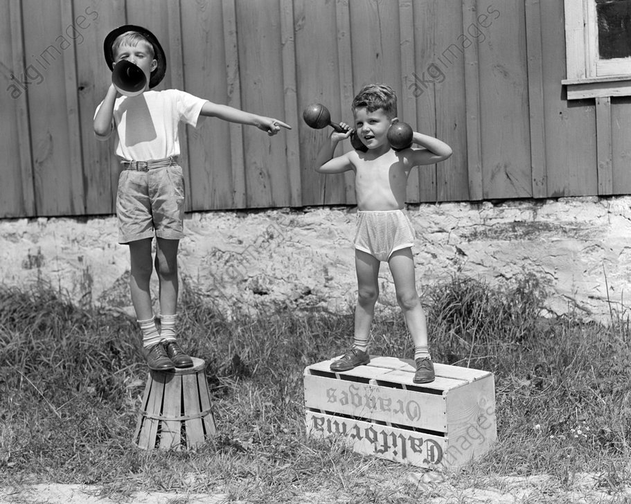 """""""Carnival strongman"""" © ClassicStock / akg-images / H. Armstrong Roberts"""