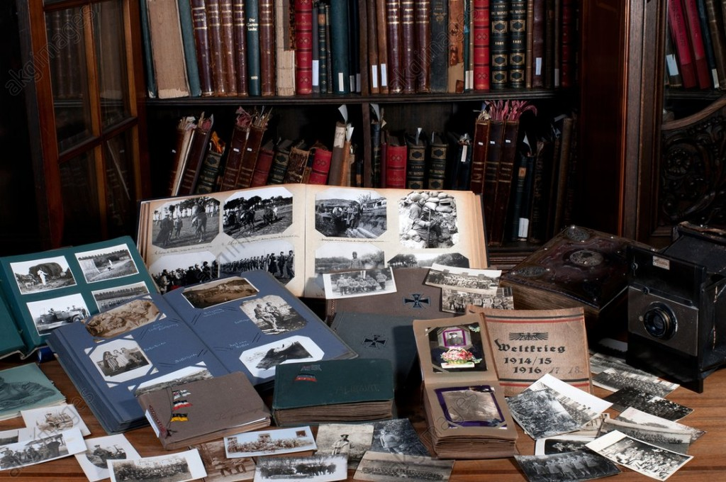 Photo albums on the history of the First World War from the collections of akg-images, photographed in 2012, ©akg-images