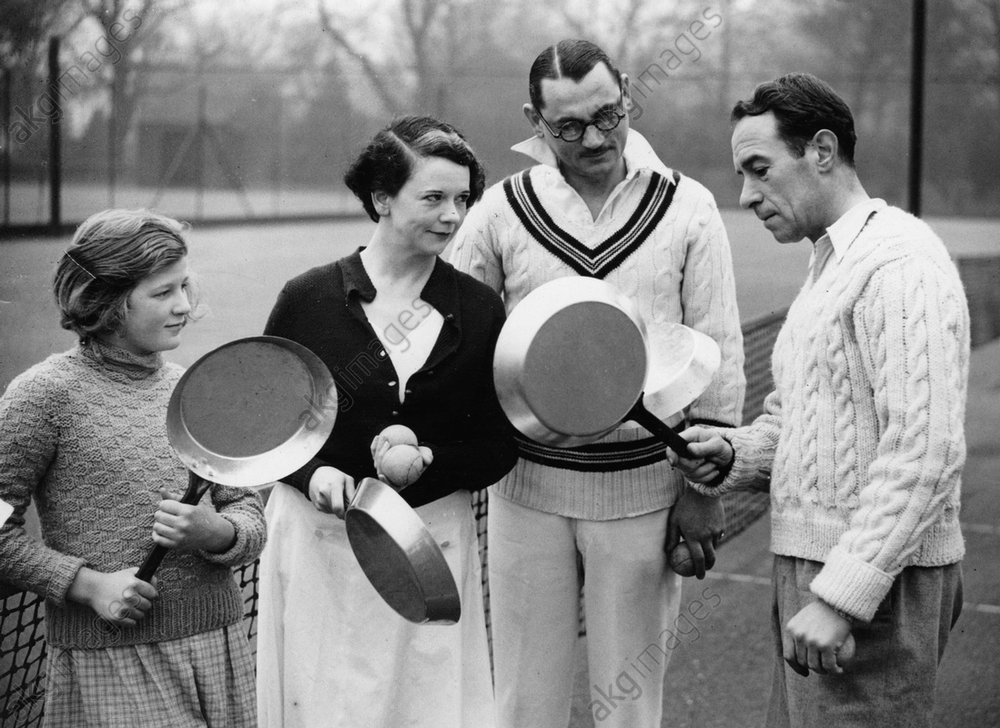 Frying pan tennis, 1936 © akg-images / Imagno