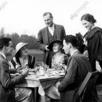 Three Couples Dining Outside / Photo 1930s ©akg-images / ClassicStock