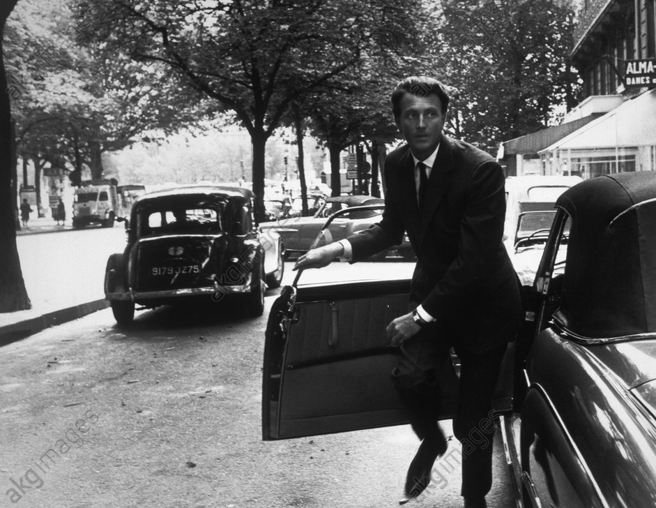 Hubert de Givenchy, 1961 © akg-images / Tony Vaccaro