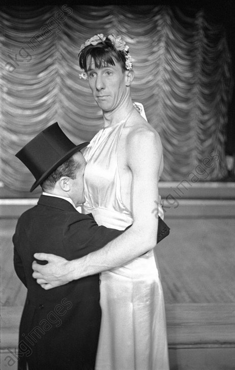 Barto & Mann at the Paradise Cabaret Restaurant, 49th Street and Broadway, New York –1936 © akg-images / George Mann